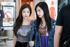 Jennie & Jisoo (Black Pink)