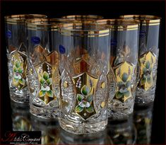 Internet shopping exclusive water goblets Bohemia: with gold and stucco with glass, with engraved rim of colored crystal, different colors. All glasses have a volume of 350 ml and a height of 16 cm, as well as a heavy bottom and crystal Shine. Bohemia Crystal, Bohemia Glass, Cocktail Glassware, Crystal Glassware, Perfect Image, Perfect Photo, Glass Pitchers, Ceramic Pottery, Cool Pictures