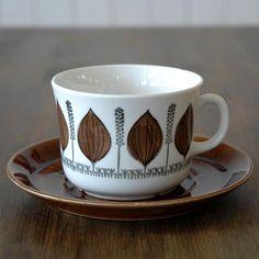 Grodblad - Upsala ekeby Vintage Tableware, Vintage Ceramic, Coffee Cups, Tea Cups, Cooking Dishes, Swedish Design, Ceramic Decor, Porcelain Ceramics, Cupboards