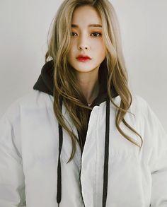 ❞ - You just for fun. Korean Beauty, Asian Beauty, Yoon Ara, Bora Lim, Girl Korea, Ulzzang Korean Girl, Ulzzang Fashion, Beautiful Asian Women, Mannequins
