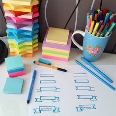 Use Post-It notes to jot down information you're having a tough time remembering. 14 Useful Study Hacks That'll Make Your Life A Little Bit Easier Lerntyp Test, Post Bac, Kalender Design, Do It Yourself Baby, Study Organization, E Learning, School Notes, School Stuff, Study Skills