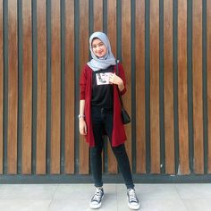 Inspiration Hijab Style Outfit of The Day (OOTD) 2019 Remaja Indonesia. Hijab Casual, Ootd Hijab, Casual Outfits, Fashion Outfits, Women's Fashion, Fashion Capsule, Classy Outfits, Asian Fashion, Latest Fashion