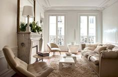 Un salon aux couleurs neutres et lumineuses