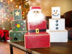 Babblings and More: Christmas Blocks (Small Wood Crafts Yards) 4x4 Crafts, Santa Crafts, Christmas Wood Crafts, Christmas Projects, Holiday Crafts, Holiday Fun, Christmas Blocks, Christmas Signs, Winter Christmas