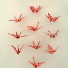 Mobile en origami 10 grues - rouges- décoration murale chambre bébé fille ou garçon / enfant - cadeau de naissance