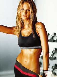 I <3 her abs!