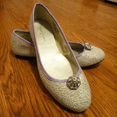 Wedding shoes for book lovers' wedding