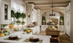 French country kitchen, still makes my heart sing! - Model Home Interior Design French Decor, French Country Decorating, Sweet Home, French Country Kitchens, Country French, French Style, European Kitchens, Kitchen Country, Modern Country