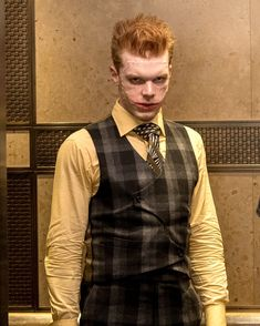 Jerome dead, again this actor better be in the next joker movies he will lead us all to Madness Gotham City, Jerome Gotham, Gotham Joker, Joker And Harley, Jerome Valeska Joker, Cameron Jerome, Joker Origin, Gotham Tv Series, Comic Villains