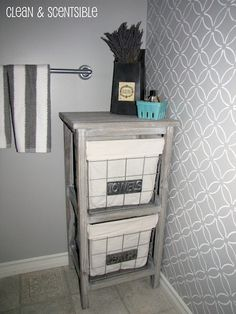 Cool stenciled wall for the bathroom