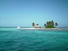 Goff's Cay. Little island off Belize