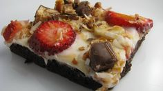 Brownie Pizza - Not-so-Ordinary Pizza Recipes curated by SavingStar. Get free grocery coupons at savingstar.com