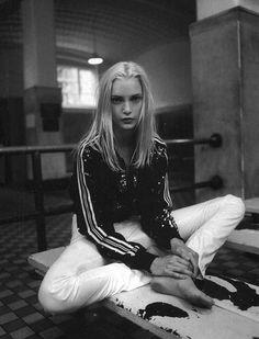 bleedgold: Vogue Italia, January 1994, 'Ginnico'...