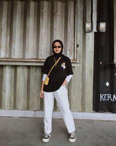 Modern Hijab Fashion, Street Hijab Fashion, Hijab Fashion Inspiration, Muslim Fashion, Casual Hijab Outfit, Ootd Hijab, Casual Outfits, Hijab Fashionista, Minimalist Fashion Women