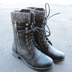 the black laced up combat sweater boots - shophearts - 2