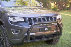 Chief Products Nudge Bar Gloss Black for Jeep Grand Cherokee - - Driver Mods Grand Cherokee Overland, Jeep Grand Cherokee Laredo, 1999 Jeep Grand Cherokee, Grand Cherokee Trailhawk, Lifted Jeep Cherokee, Jeep Wrangler Pickup, Jeep Jeep, Jeep Garage, Wrangler Rubicon