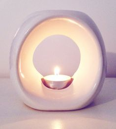 Infinity Oil Burner in Gloss White
