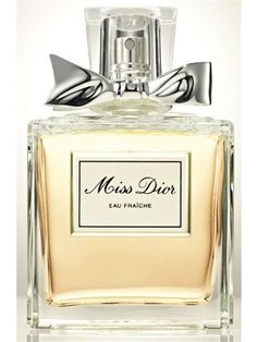 Deep and sensual, while being coquettish and invigorating scent of sunny spring, Miss Dior Eau Fraiche opens with sparkling citrus notes and green galbanum. The heart of the perfume is traditionally composed around jasmine, lying on the intensive base of earthy patchouli.