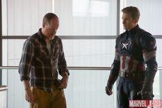 Avengers Age of Ultron Joss Whedon & Chris Evans aka Steve Rogers / Captain America
