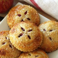 Save this recipe for Mini Cranberry Apple Pies for the perfect Thanksgiving dessert that no one has to share! Apple Cranberry Pie, Cranberry Recipes, Apple Pie Recipes, Sweet Recipes, Holiday Recipes, Easy Recipes, Mini Desserts, Just Desserts, Delicious Desserts