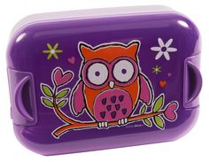 Pumped® EasyOpen™ Girls lunch box The EasyOpen™ lunch box and snack box™ have clips securing the lid that are easy for small children to open. They come in a range of bright colours and each box has a fun character printed on the lid.