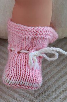 Model 0043 SARA - baby doll knitting pattern