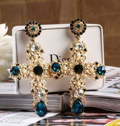 Girls Jewelry, Jewelry Accessories, Fashion Accessories, Jewelry Design, Women Jewelry, Dior Jewelry, Jewelery, Fashion Earrings, Fashion Jewelry
