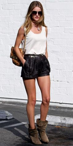Look of the Day › August 23, 2011 WHAT SHE WORE Huntington-Whiteley ran errands in a white tank and leather shorts. Slouchy boots, a chain-strap Mulberry bag and Burberry aviators completed the look.