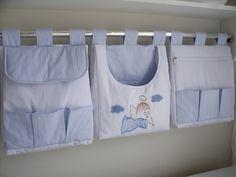 Porta fralda é uma peça linda pode ser fabricada combinando com o kit do berço Porta fralda 3 peças Tecido:fustão 100% algodão Medidas:30x40 cada