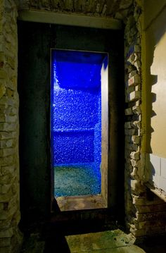 British artist Roger Hiorns pumped    75,000 litres of copper sulphate solution into an abandoned council flat to create a strangely beautiful and somewhat menacing crystalline growth on the walls, floor, ceiling and bath of this abandoned dwelling.