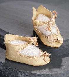 What Finespun Threads: 163 Rose Satin Shoes for Bebe Jumeau, Size 7