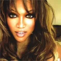 #TyOverTip: Fake a #Smize by applying powder 1 shade darker than UR skin along the outer bridge of UR nose. Voilà!
