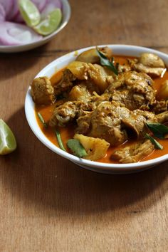 A Bit of This and A Bit of That: Kerala Style Chicken Curry with Thick Gravy Veg Recipes, Curry Recipes, Indian Food Recipes, Vegetarian Recipes, Cooking Recipes, Ethnic Recipes, Indian Foods, Kerala Chicken Recipes, Kerala Food