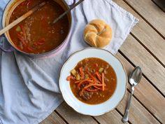 Budapester Dampfgulasch Thai Red Curry, Ethnic Recipes, Food, Curry Recipes, Casserole, Essen, Meals, Yemek, Eten