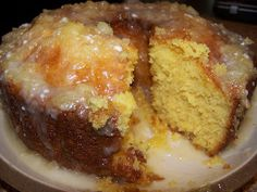 Pineapple Cake With Pineapple Glaze 1 Pineapple cake mix 1 small box vanilla pudding mix 4 eggs cup oil 20 oz. can crush pineapple, divided Glaze cup butter cup crushed pineapple cups powder sugar Food Cakes, Cupcake Cakes, Cupcakes, Angel Food Cake Pan, Angel Cake, Köstliche Desserts, Dessert Recipes, Pinapple Cake, Crushed Pineapple Cake
