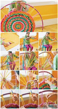 Weave a rug on a hula hoop
