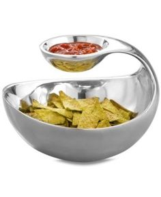Nambe Serveware, Scoop Server - Serveware - I want this bowl! Gadgets And Gizmos, Cool Gadgets, Amazing Gadgets, Chip And Dip Bowl, Chips And Salsa, Cuisines Design, Kitchen Accessories, Kitchen Gadgets, House Gadgets