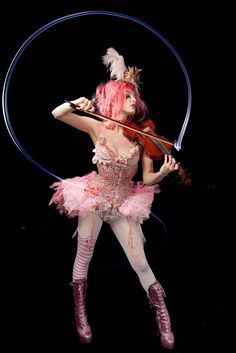 circus marie on fiddle
