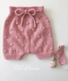 Bloomers Sent To A Little Baby Girl Had Just A Rest shorts # knit # knitting . # bloomers sent bis a little babygirl just had a rest # bloomers sent to a little babygirl just had a Bloomers Sent To A Little Baby Girl Just Had A Diy Crafts Knitting, Easy Knitting, Knitting Projects, Crochet Baby Bloomers, Knitted Baby Clothes, Little Baby Girl, Cardigan, Baby Sweaters, Baby Knitting Patterns