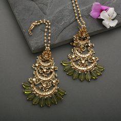 Antique Jewellery Designs, Fancy Jewellery, Fancy Earrings, Jewelry Design Earrings, Gold Earrings Designs, Stylish Jewelry, Simple Jewelry, Fashion Jewelry, Heavy Earrings