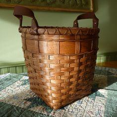 April Free Basket Pattern--Wooden Bottom Waste Basket