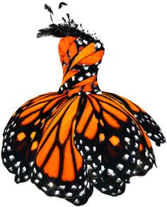 Monarch Butterfly dress, created by Seattle, WA based couture designer Luly Yang. Looks like you took a butterfly and twisted it like a hand towel, but still pretty Costume Papillon, Alexandre Mcqueen, Dress Png, Halloween Karneval, Butterfly Dress, Butterfly Fashion, Butterfly Print, Monarch Butterfly Costume, Butterfly Makeup