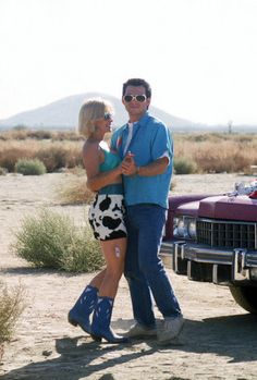 How to dress like Alabama Whitman as portrayed by Patrcia Arquette in True Romance. Making your own DIY Alabama Whitman costume is great for couples Couple Romance, True Romance, Romance Movies, Movie Costumes, Couple Halloween Costumes, Cool Costumes, Costume Ideas, Halloween Inspo, Halloween 2020