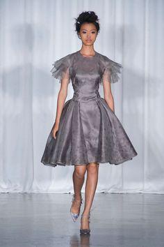 Zac Posen at New York Fashion Week Spring 2014 - Runway Photos Timeless Fashion, High Fashion, Fashion Show, Fashion Outfits, Fashion Design, Ny Fashion Week, Spring Fashion, Zac Posen, Style Couture