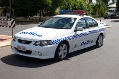 Australian Police Cars > Gallery > Queensland Police > Image: 0503-as_baxr8-traffic_03