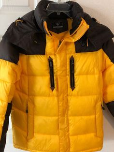 d316a419250 Fuerza Mens Winter Down Wellon Hooded Jacket Parka Yellow Large Perfect  Shape!