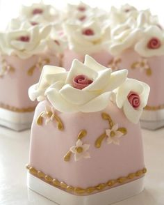 Vintage Pink Small Cakes