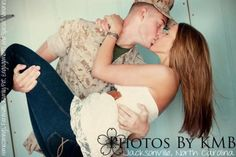 such a sucker for cute military photos.this is adorable. Usmc Love, Marine Love, Military Love, Military Photos, Girls In Love, Guys And Girls, Military Couple Photography, Soldier Love, Marines Girlfriend