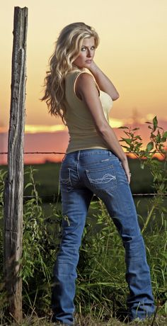 Cowgirl Tuff Jeans .. Designed by a real woman for a woman.