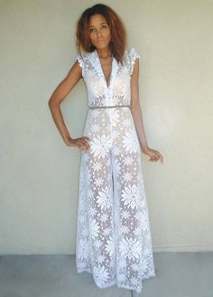 vintage white lace palazzo jumpsuit. WIDE LEG JUMPSUIT. Size Small / Medium. 70s bohemian boho hippie hippy pant jumpsuit. Bohemian Wedding